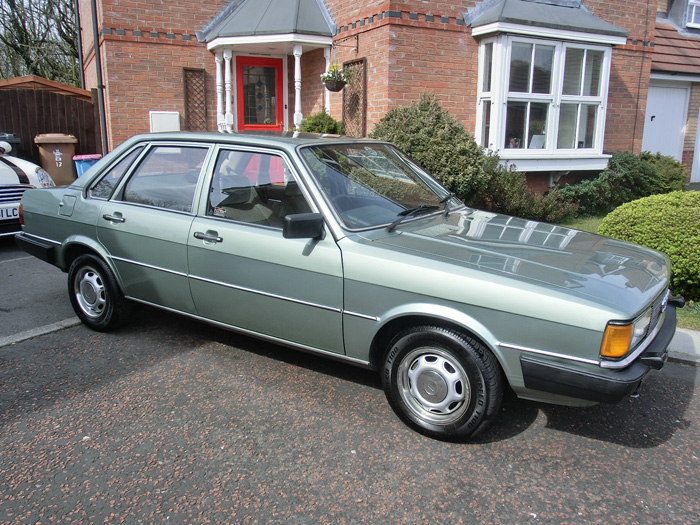 1984 Audi 80 1.8 GL Right Side
