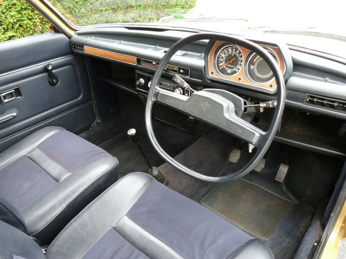 1974 Austin Allegro 1500 Super Interior 2
