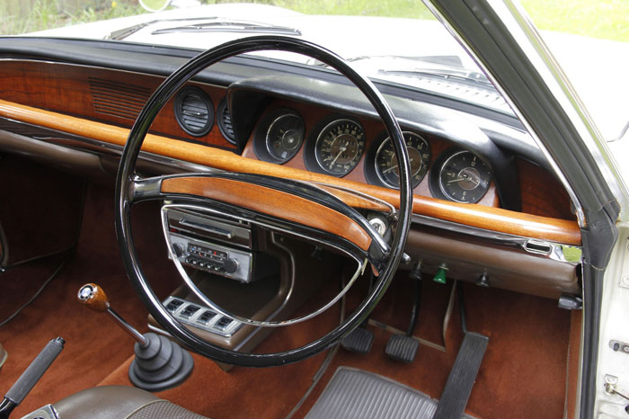 1968 BMW 2000CS Coupe Interior Dashboard