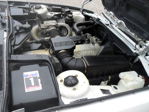 1991 bmw 735i se engine bay