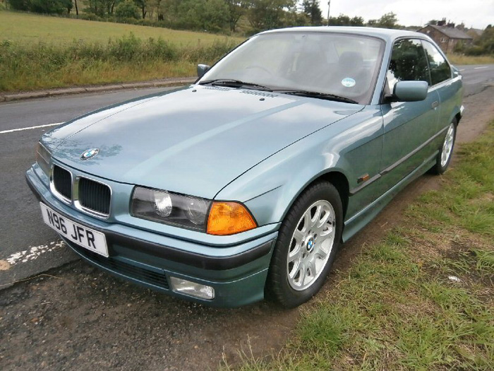 1996 BMW 323i Coupe 2