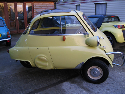 1960 BMW Isetta Bubble Car Right Side