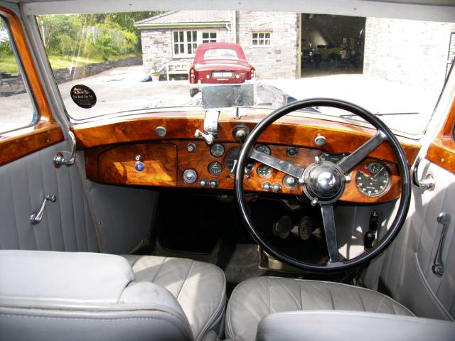 1938 bentley 4.25 litre park ward pillarless saloon interior 1