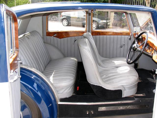 1938 bentley 4.25 litre park ward pillarless saloon interior 2