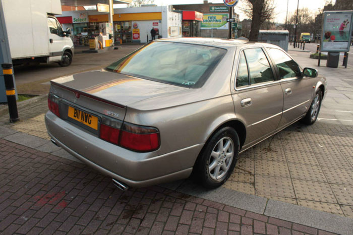 2001 cadillac seville sts v8 auto gold 3