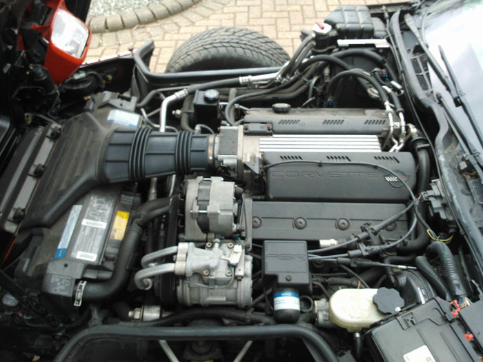 1992 Chevrolet Corvette C4 LT1 Engine Bay