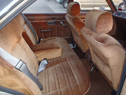 1978 chrysler 2.0 litre automatic saloon interior 3
