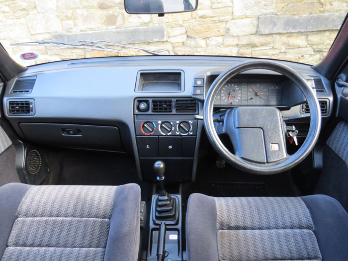 1989 Citroen BX 16 RS Pilot SE Interior Dashboard