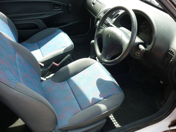 1999 citroen saxo white interior