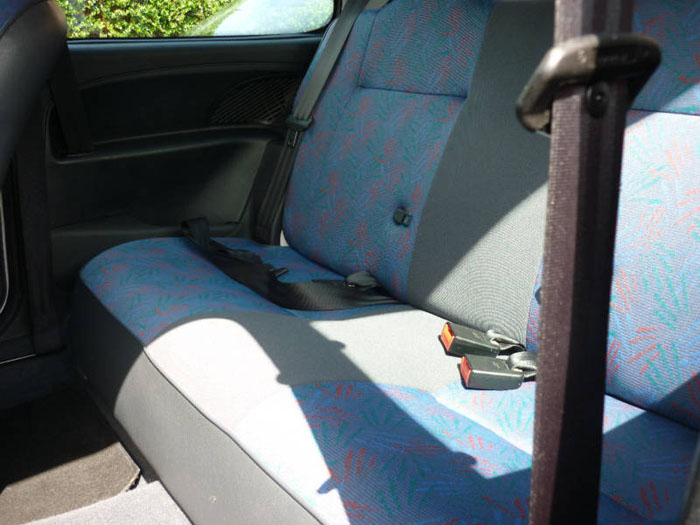 1999 citroen saxo white rear seats