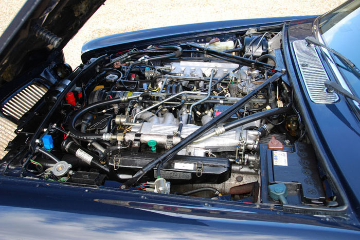 1986 daimler 5.3 v12 double six automatic engine bay