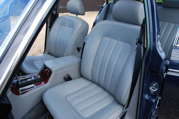 1986 daimler 5.3 v12 double six automatic interior 3