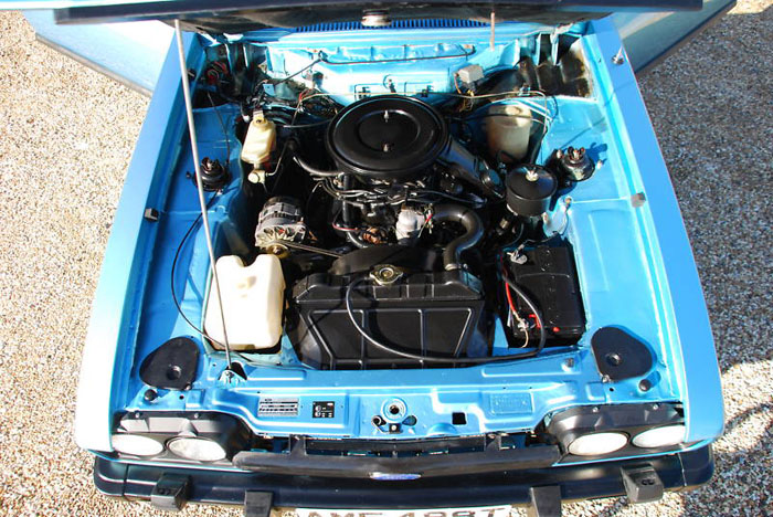 1979 mk iii ford capri 3.0l ghia auto engine bay