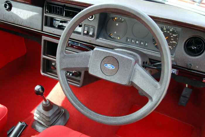 1980 ford cortina mk5 1.6l dashboard