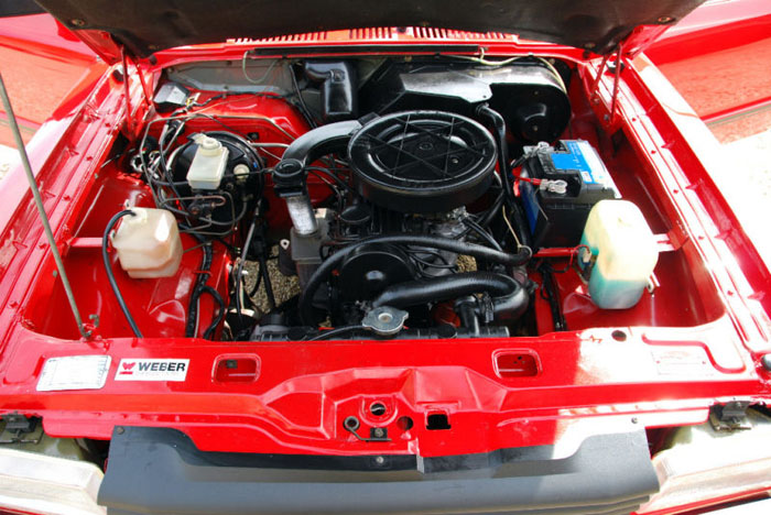 1980 ford cortina mk5 1.6l engine bay