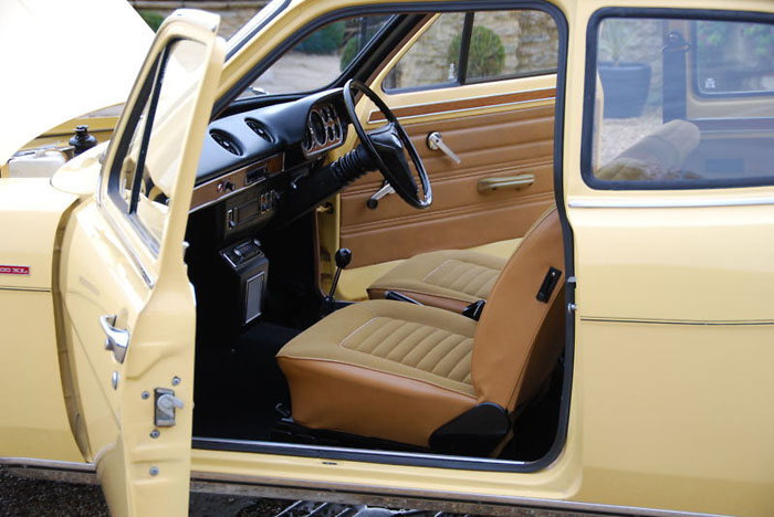 1974 ford escort mk1 1300xl 2 door interior 2