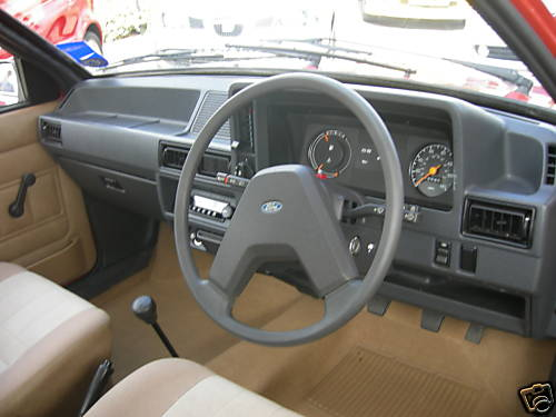 1982 ford escort mk3 1.1l 5dr dashboard