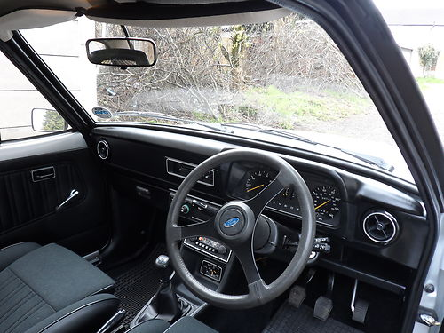 1980 Ford Escort Mk2 1600 Harrier Interior Dashboard