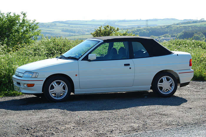 1992 Ford Escort Mk5 XR3i Convertible 4