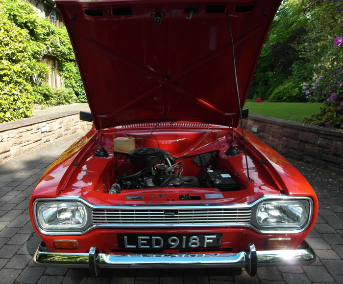 1968 Ford Escort MK1 1100 Super Bonnet Up