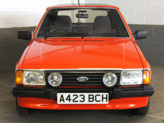 1983 Ford Escort MK3 1.6 Ghia Front