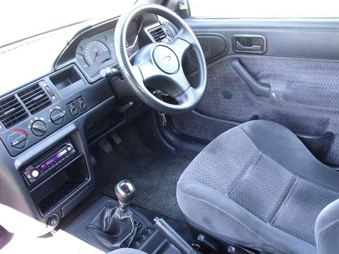 1993 Ford Escort XR3i Convertible Interior Dashboard Steering Wheel