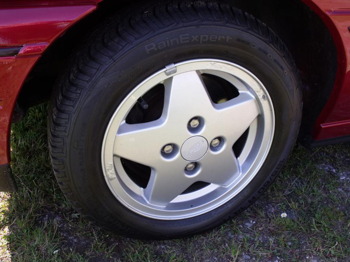 1993 Ford Escort XR3i Convertible Wheel