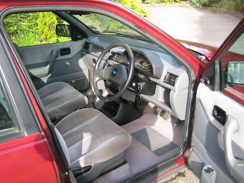 1992 ford fiesta 1.4 ghia interior 1