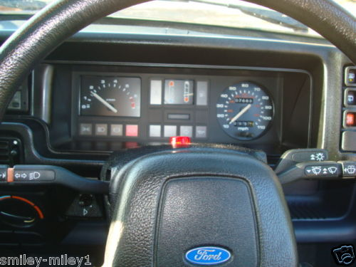 1988 f reg ford fiesta ghia classic car dashboard