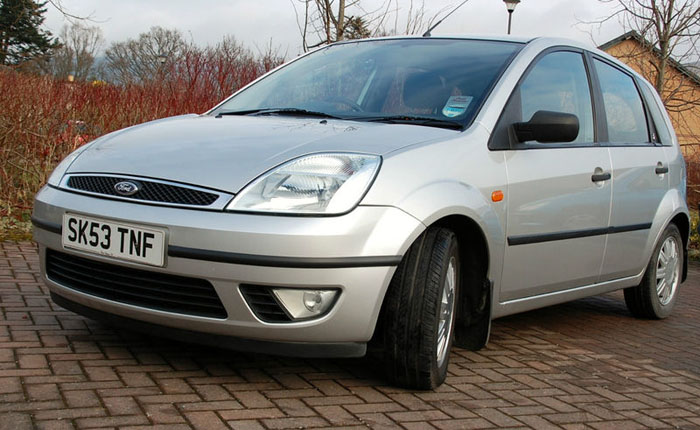 2003 53 plate ford fiesta 1.6 ghia 5 door 1