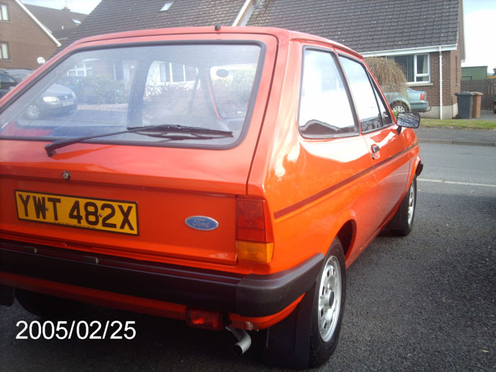 1982 ford fiesta popular plus red 1.1l 3