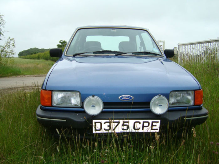 1987 ford fiesta ghia blue front