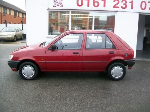 1993 Ford Fiesta 1.1L Left Side