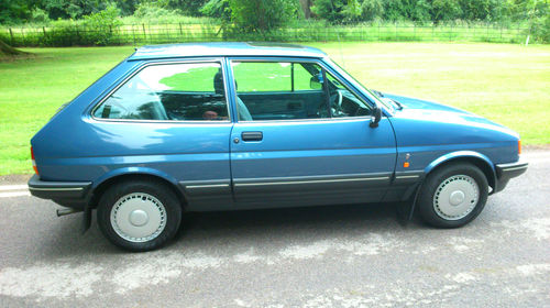1988 Ford Fiesta MK2 1.1 Ghia Right Side
