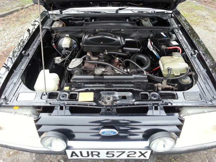 1981 Ford Granada 2.1 DL Engine Bay