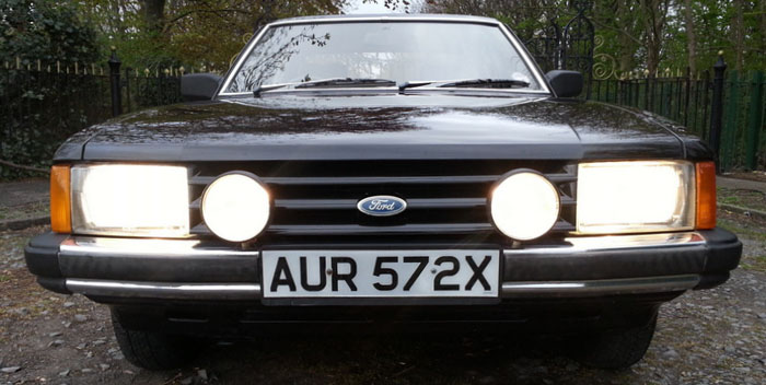 1981 Ford Granada 2.1 DL Front Lights Grill