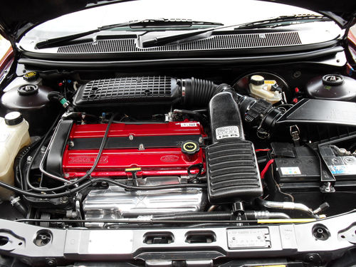 1993 Ford Mondeo 2.0 Ghia Engine Bay 1