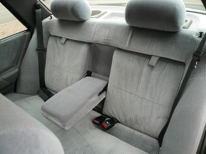 ford orion 1.6 ghia interior 2