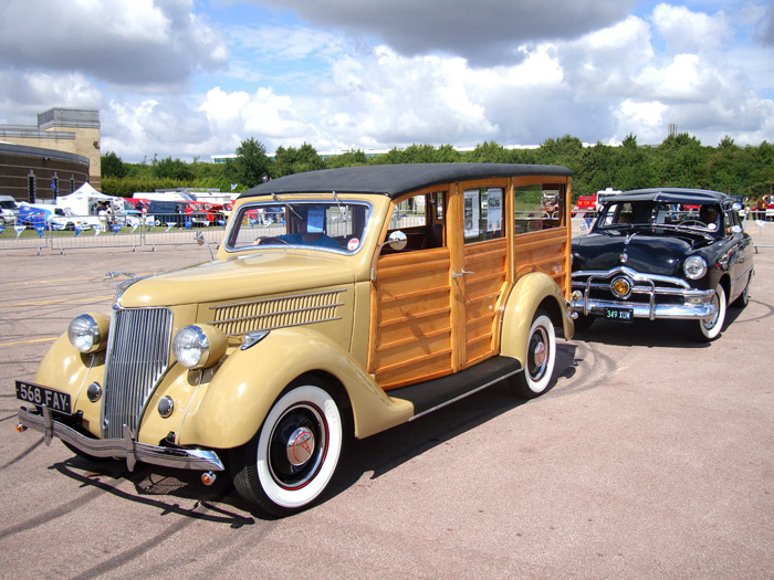 1936 Ford Woodie Station Wagon 2