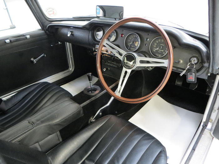 honda s800 coupe interior 2
