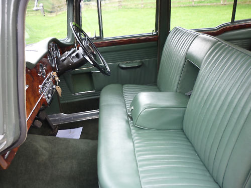 1964 humber hawk saloon interior 2