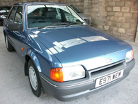 423 1988 e ford escort 1.6 gl 5 door met crystal blue icon