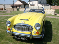 800 1967 Austin Healey MK3 3000 Icon