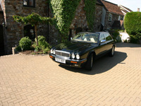 832 1996 Daimler Six 4.0 Icon