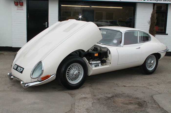 1963 Jaguar E-Type S1 FHC 2