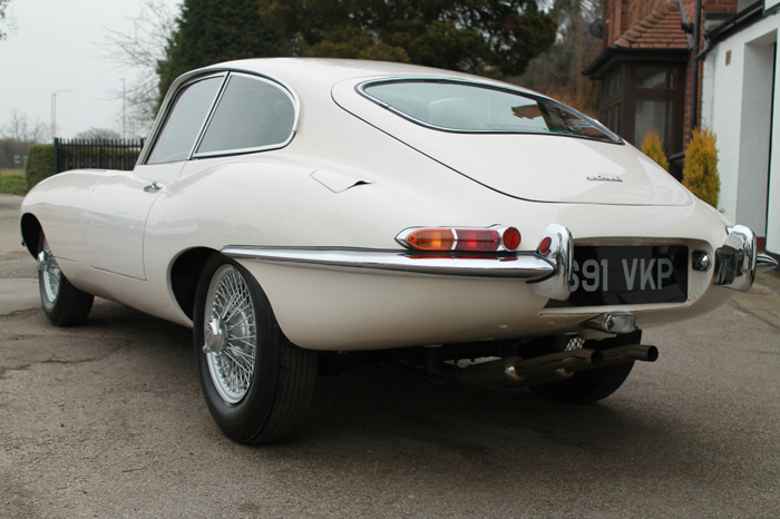 1963 Jaguar E-Type S1 FHC 3