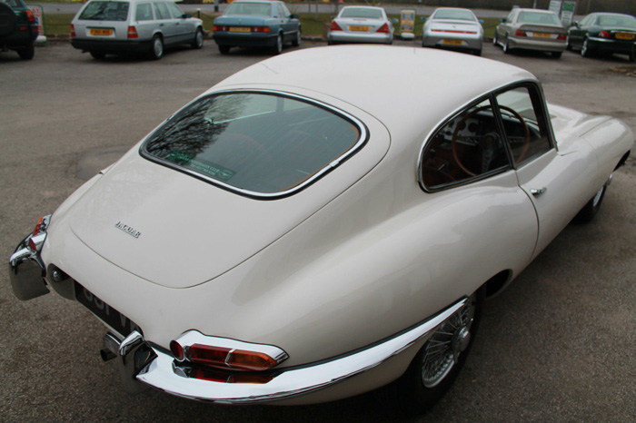 1963 Jaguar E-Type S1 FHC 4