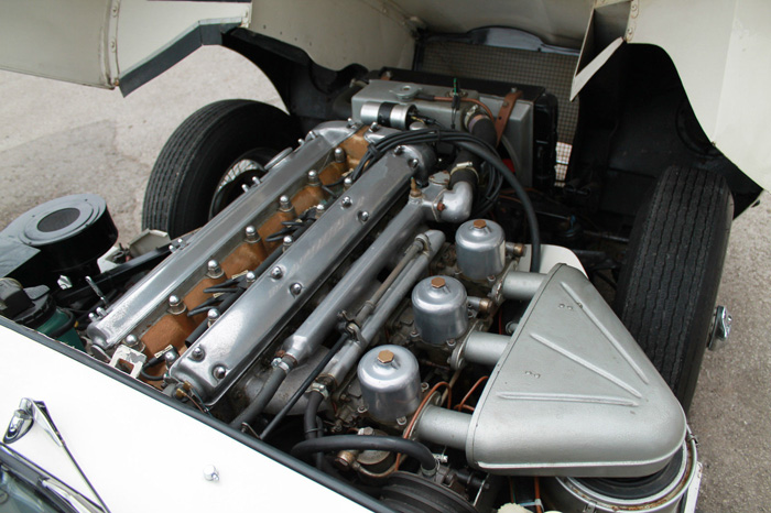 1963 Jaguar E-Type S1 FHC Engine Bay