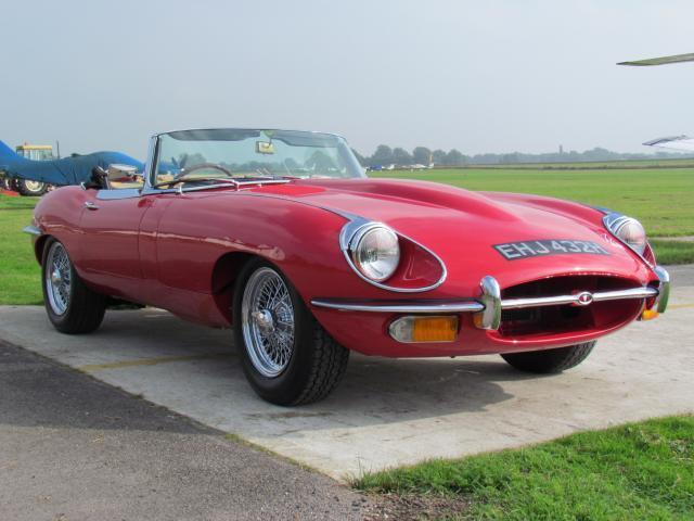 1970 Jaguar E-Type S2 Roadster 1