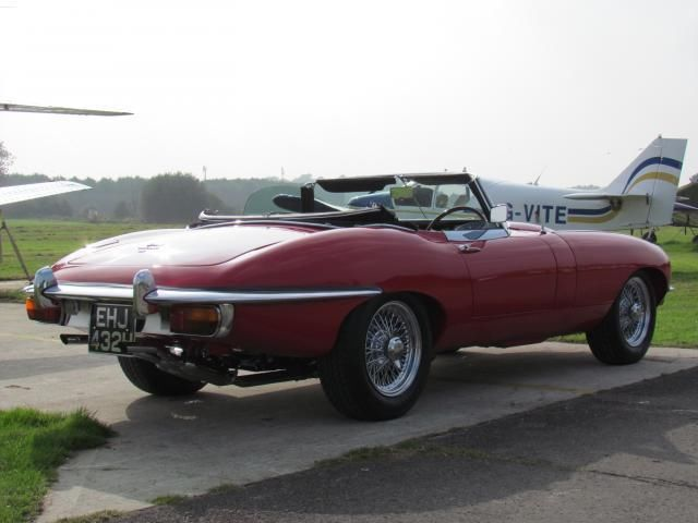 1970 Jaguar E-Type S2 Roadster 2